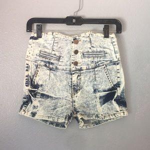 36 Point 5 shorts NWOT